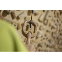 Lama Atom - minimalistický hangboard, trénink jednoprdy