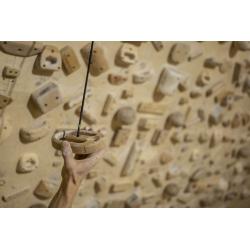 Lama Atom - minimalistický hangboard, trénink stisku